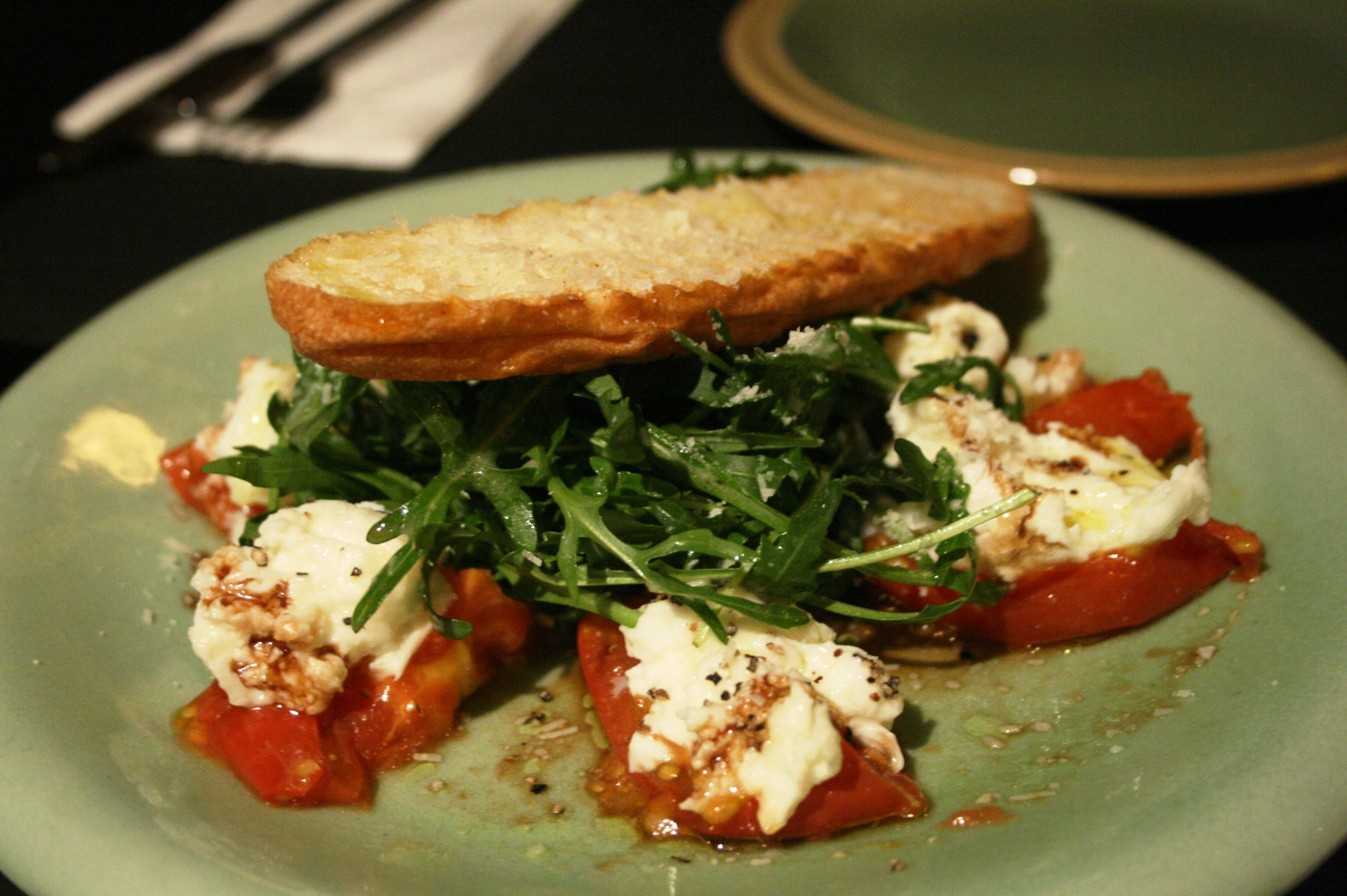 Winter salad with tomatoes and mozzarella