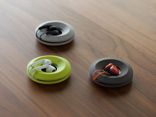 a-earbud-holder-thatll-end-tangled-wires
