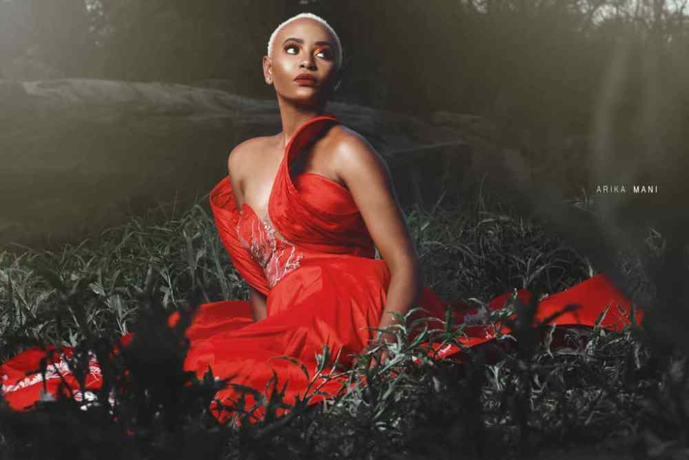 The lady in red by Arika Mani, dress by Sozinio