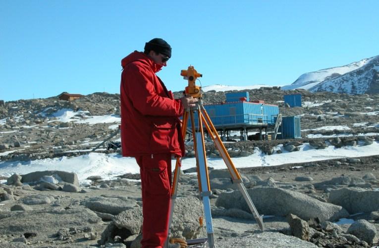 Gli osservatori geomagnetici italiani in Antartide