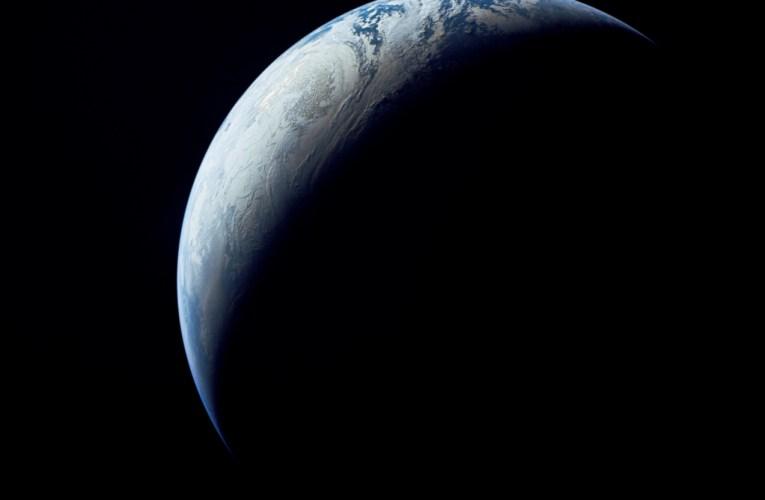 La Terra e le nuvole