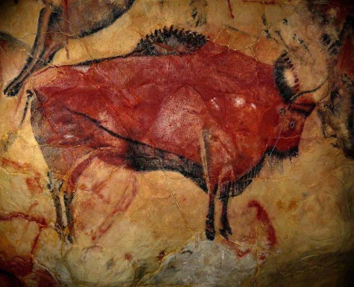 Bisonte dalla Grotta di Altamira, Cantabria, Spagna (immagine wikipedia), autore anonimo, età tra 35.0000 e 25.000 anni fa.
