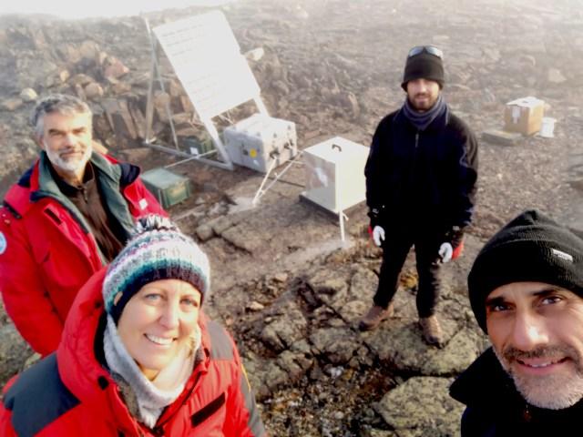 installazione della stazione sismica TH03 foto di G Muscari