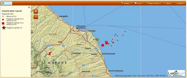 Sequenza sismica in Adriatico centro-settentrionale del 21 luglio 2013 (aggiornamento ore 08:00 italiane). Si notano i due eventi con magnitudo maggiore o uguale di 4.0 rappresentati in mappa con due quadrati.
