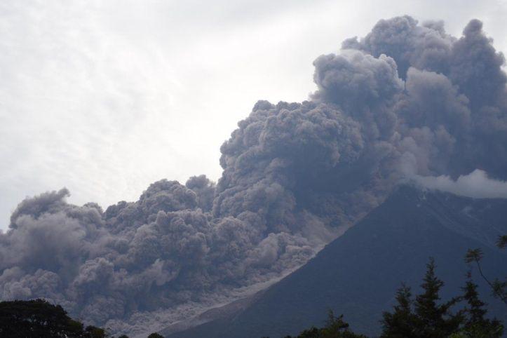 Corrente piroclastica al Volcan de Fuego, 3 giugno 2018