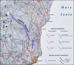 Figura 2 – Dettaglio delle faglie attive nel basso versante sud-orientale dell'Etna (da Azzaro et al., 2012). In viola è evidenziata l'area in cui il rilievo geologico effettuato da EMERGEO dal 26/12/2018 al 18/01/2019 ha evidenziato fagliazione superficiale. La stella gialla rappresenta l'epicentro strumentale del terremoto.