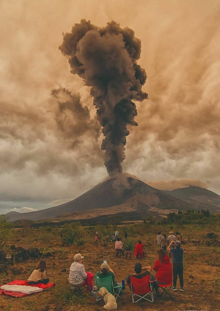 Esplosione al vulcano di Pacaya Marzo 2021. Fotografia di Marvin Grijalva. https://www.facebook.com/MarvinGrijalvaPhotography/photos/1785741134942639