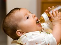 5 Eco-Friendly Baby Bottles That Are BPA-Free | Inhabitots