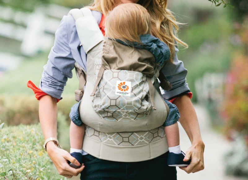 2 Organic Options From ERGObaby Let You Wear Baby In Eco