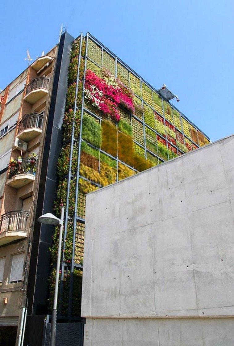 https://i0.wp.com/inhabitat.com/wp-content/blogs.dir/1/files/2010/07/Vertical-Garden-in-San-Vicente-2.jpg