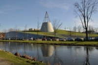 Mecanoo's TU Delft Library Crowned With a Massive Green ...