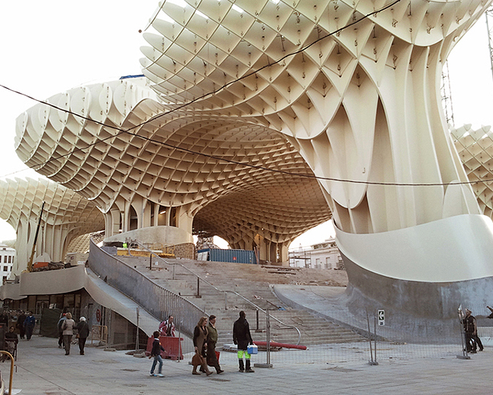 https://i0.wp.com/inhabitat.com/wp-content/blogs.dir/1/files/2011/03/metropolparasol3.jpg