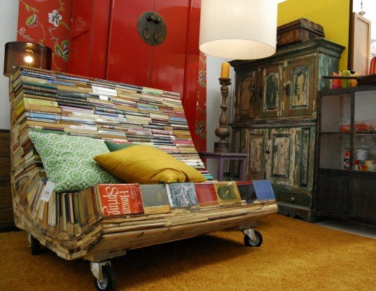 recycled book bench, bench of thought, banco de pensamiento alvaro tamarit, repurposed book furniture, recycled book furniture, tamarit recycled book sculpture
