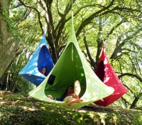 Colorful Hanging Cacoon Tents Are Dreamy Treetop Retreats ...