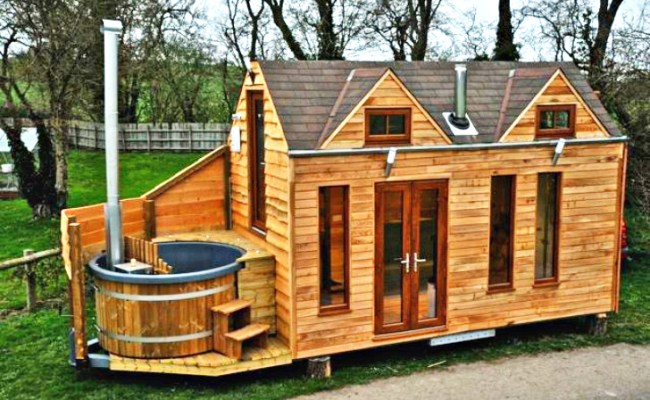 Tinywood Homes Come With Their Own Hot Tubs In The Uk