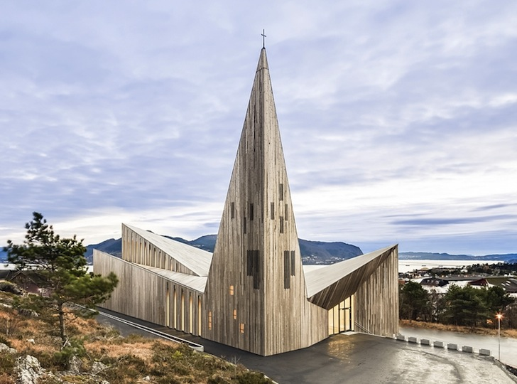 Contemporary Stave Church Rises like a Pointy Wooden Crown