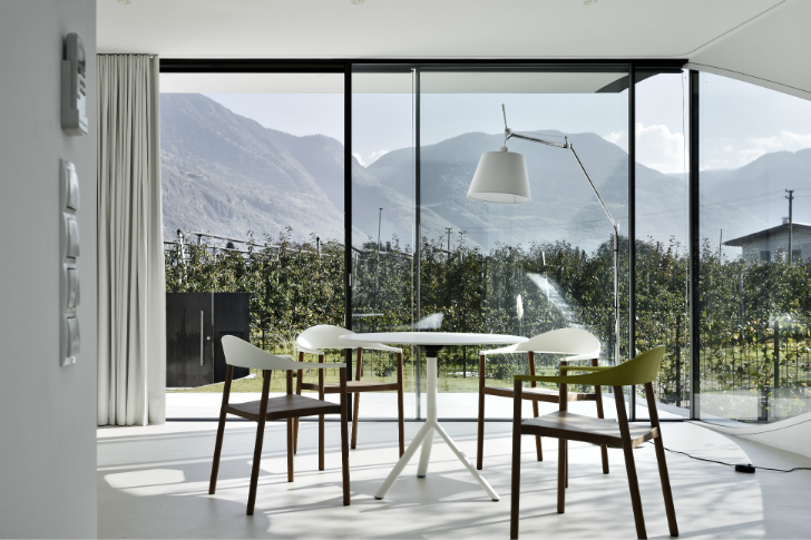 Peter Pichlers Mirror Houses serve as sustainable vacation rentals in the Dolomites