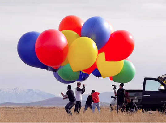 chair with balloons large comfy video this dude floated up to 8 000 feet nothing but a bunch of and lawnchair