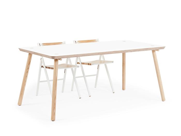 reinier de jong designs minimalist stip