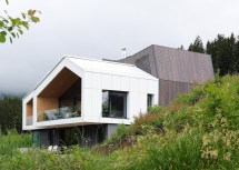 Sono Architects Mountain-view House Boasts Stunning Views