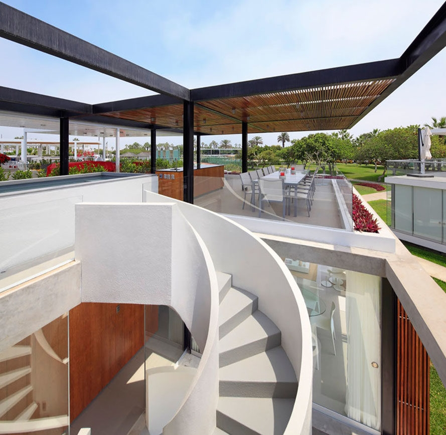 Extraordinary Spiral Staircase Winds Up To A Killer Rooftop Deck | Spiral Staircase Outdoor Deck | Log | Portable Rectangular Concrete | Metal | Porch | Black
