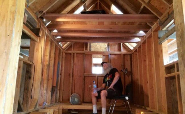 Tiny House Nation S Zack Giffin Will Teach Veterans To