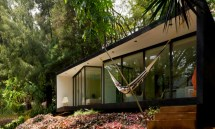 Refuge In -grid Bungalow Tucked Lush