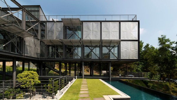 Green-roofed Cantilever House Floats Above Malaysian
