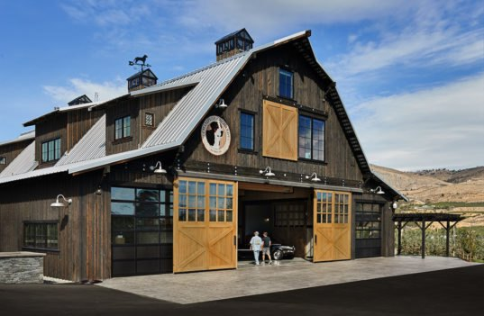 Gorgeous Washington Barn House Marries Rustic Elements