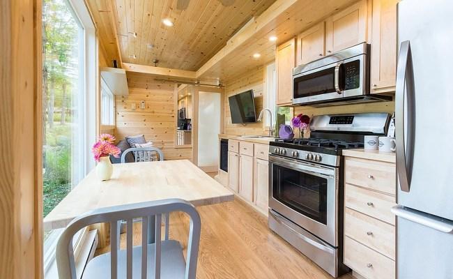 New Traveler Xl Limited Tiny House Can Comfortably Sleep