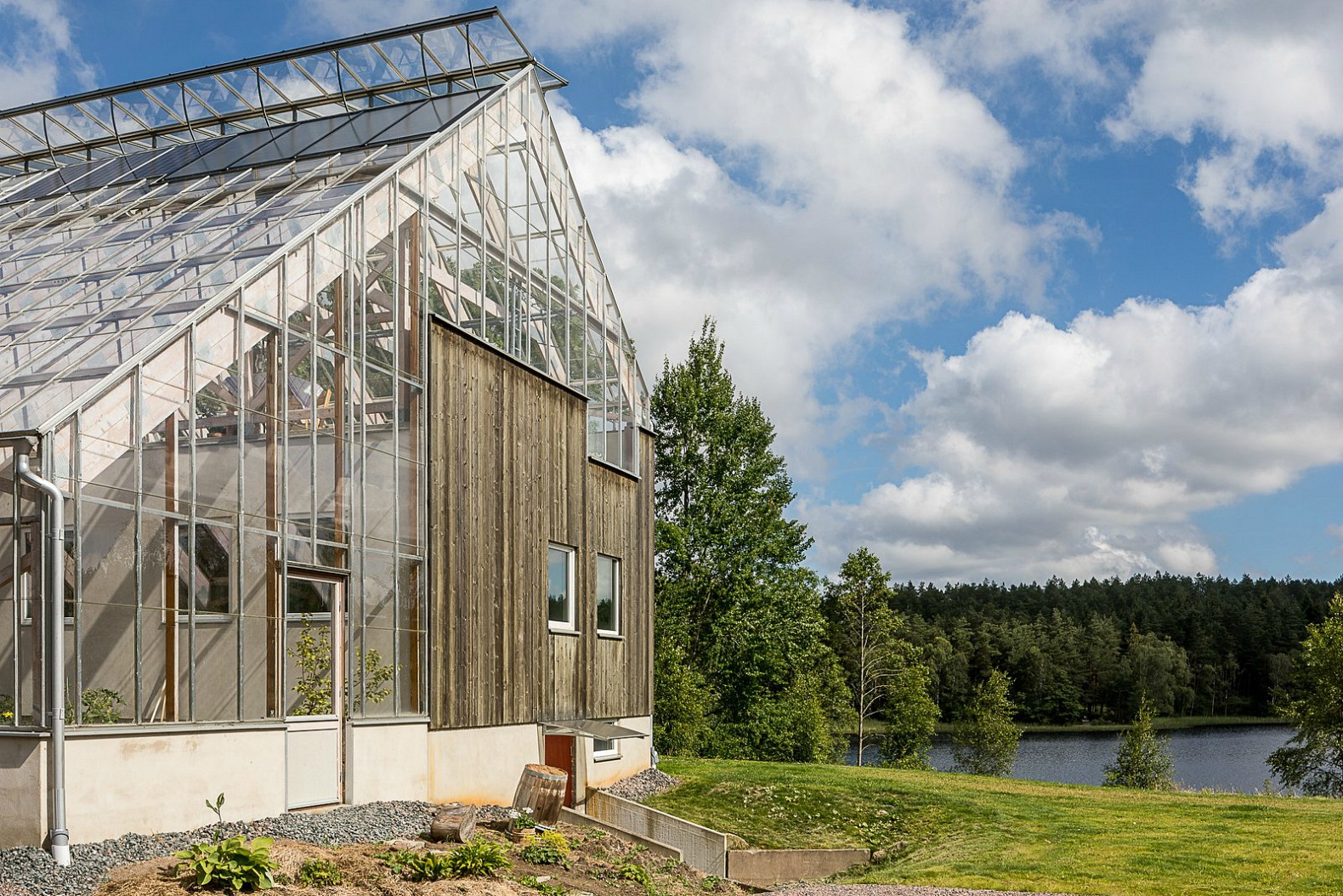 Gorgeous Solar Powered Greenhouse Home In Sweden Hits The