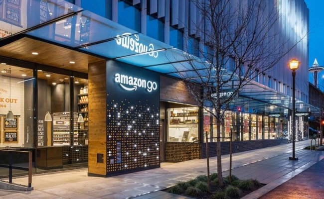 Amazon Opens New Grocery Store Sans Checkout Lines