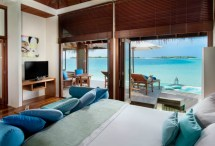 Sleep In Amazing Underwater Hotel Room Conrad