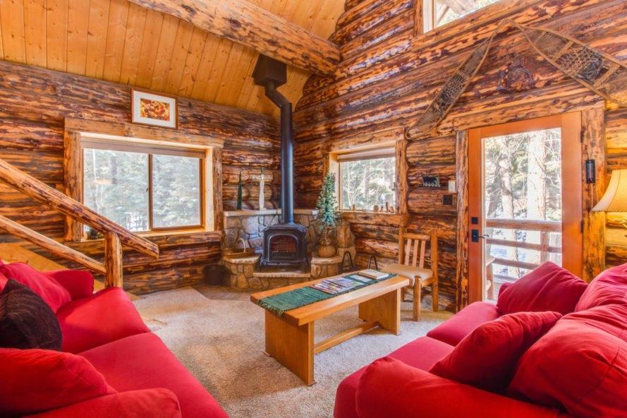 Log Cabin In Colorado Is The Perfect Winter Wonderland Retreat