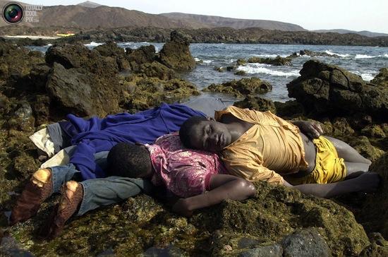 Foto de Juan Medina de inmigrantes en las Islas Canarias