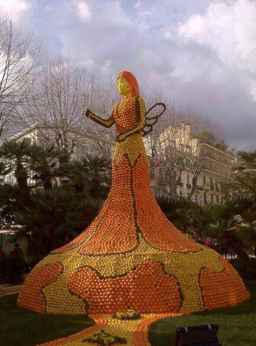 Orange-Statue-1