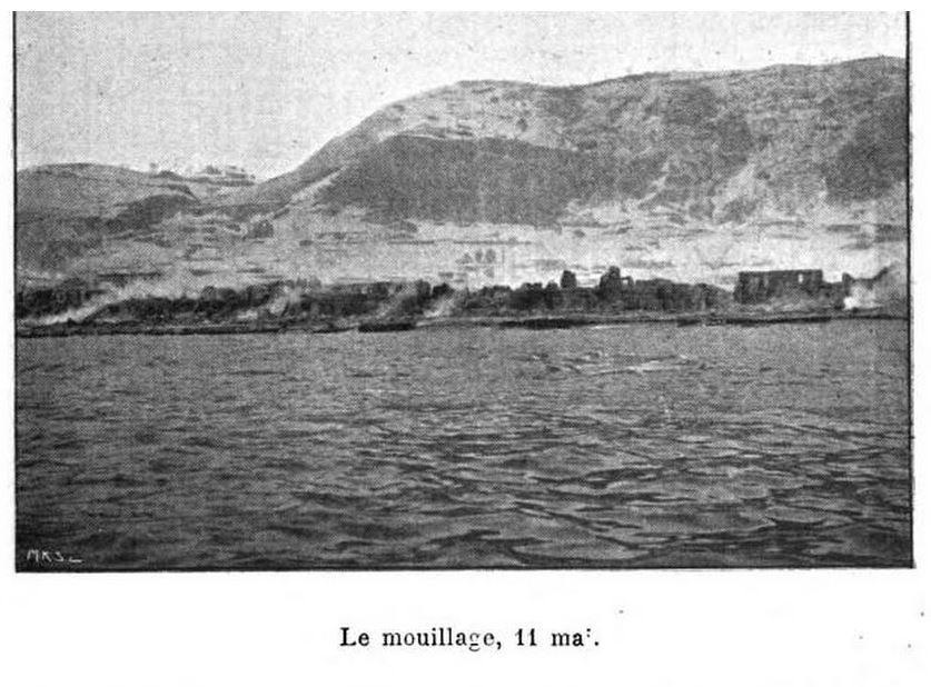1902 photo of Saint-Pierre from harbor