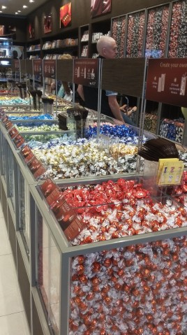 a Lindt outlet aka my heaven