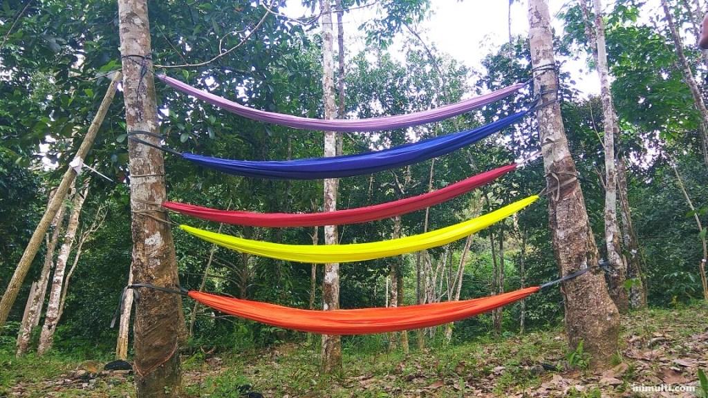 Bersantai di Taman Gunung Sari