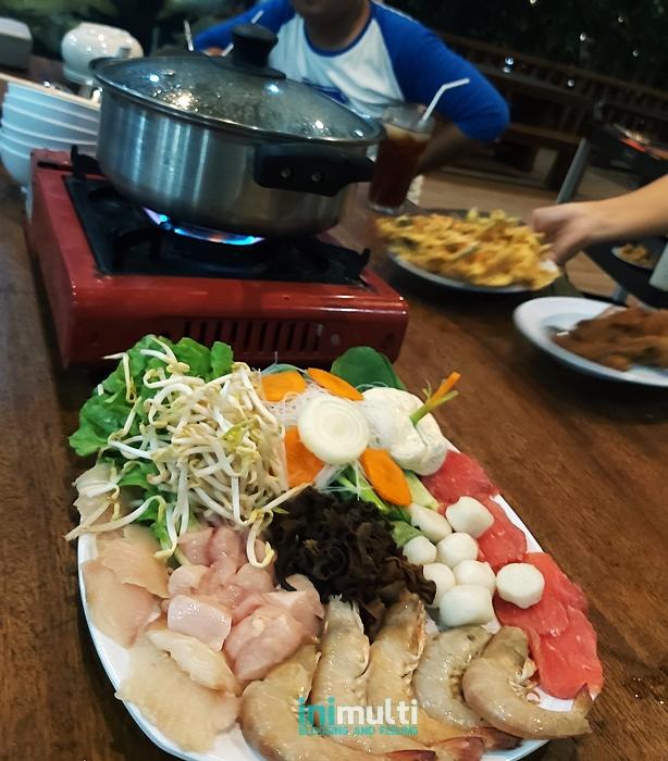 makanan khas enak di dayang resort singkawang
