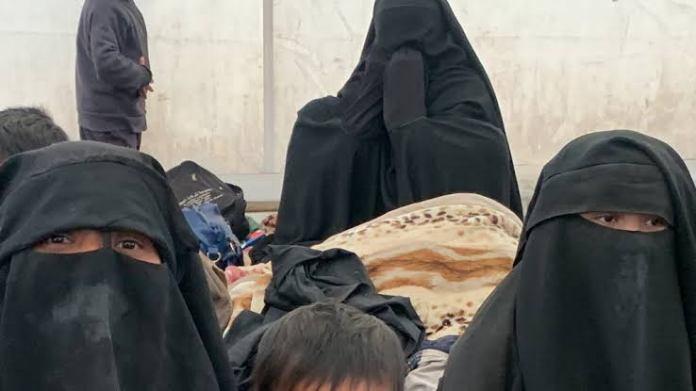 Ilustrasi pengungsi eks ISIS bersama anak-anak mereka, (Internet)