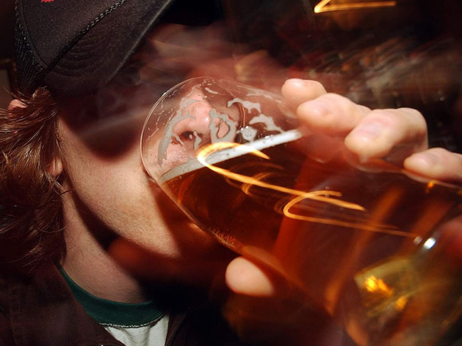 MI+Pint+neknomination+beer+drinking+Waleonline