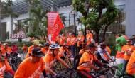 Permalink ke Inilah Keseruan 'Harris Day', Peserta Fun Bike Bikin Kota Surabaya Jadi Oranye