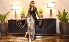 Permalink ke Monochrome Batik dan Sepatu Batik Sutra Tandai 10 Tahun Embran Nawawi Berkarya di Jagad Fashion Jawa Timur
