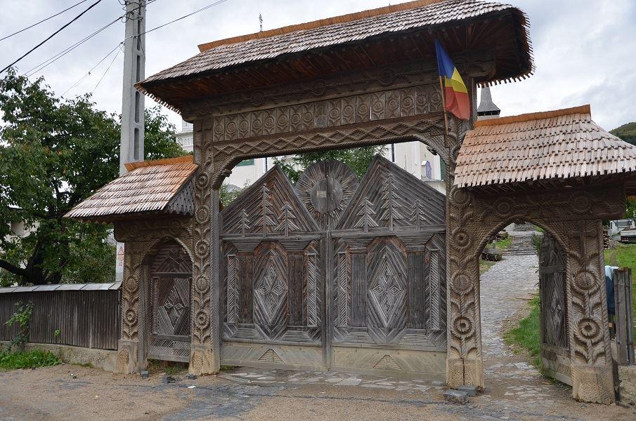portail-bois-maramures