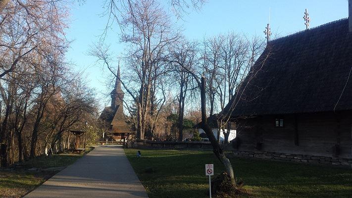 musee-du-village-roumain-de-bucarest-eglise-maramures