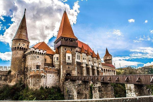 chateau-de-hunedoara-voyage-au-pays-des-contes-de-fees-transylvanie