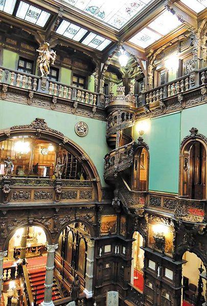 chateau-peles-interieur