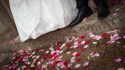 Photographie évoquant le mariage par des détails.