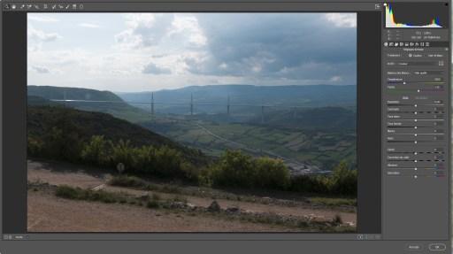 Interface Camera Raw pour réaliser les réglages de tonalité de l'image assemblée par le module Fusion HDR Pro de Photoshop.
